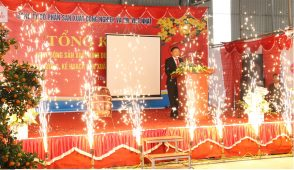 The closing ceremony of the year-end festival at the end of 2017 for Vietnamese companies